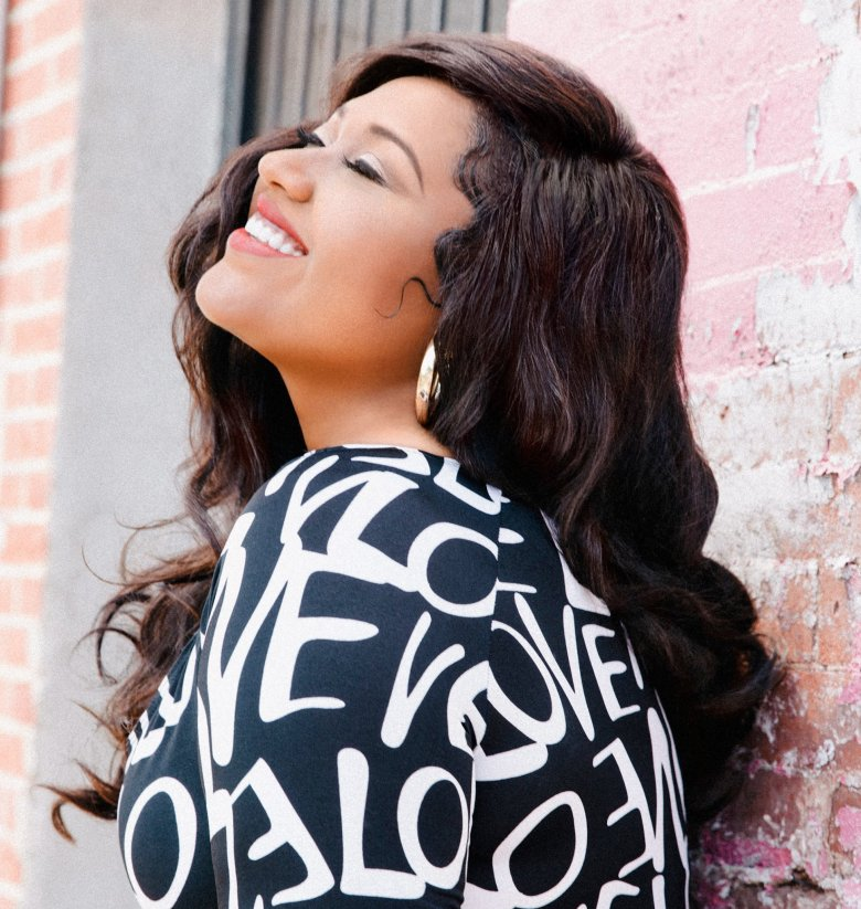 Soul lovers will be in for an extra special treat: Hamilton will be joined by acclaimed R&B singer Jazmine Sullivan.