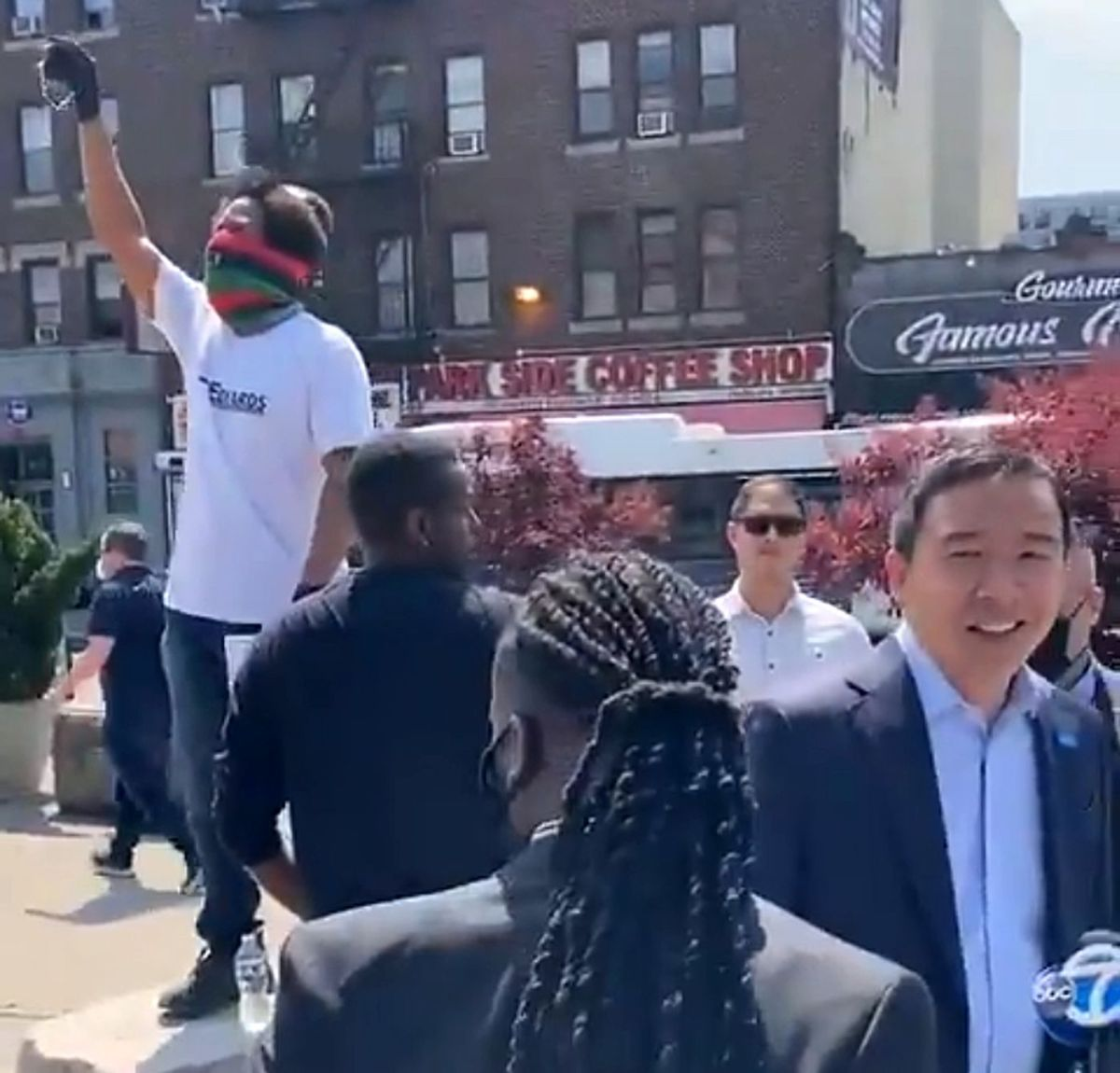 Mayoral candidate Andrew Yang, pitching NYC police reform plan, is heckled in Brooklyn