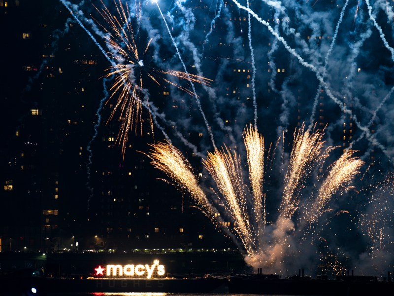 See it: NYC marks Independence Day with Macy's Fourth of July fireworks show