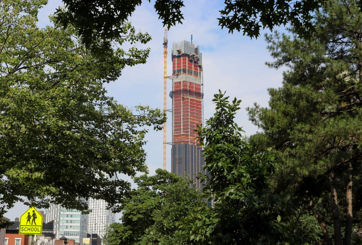 Supertall Attached to Dime Savings Bank in Downtown Brooklyn Nears Apex