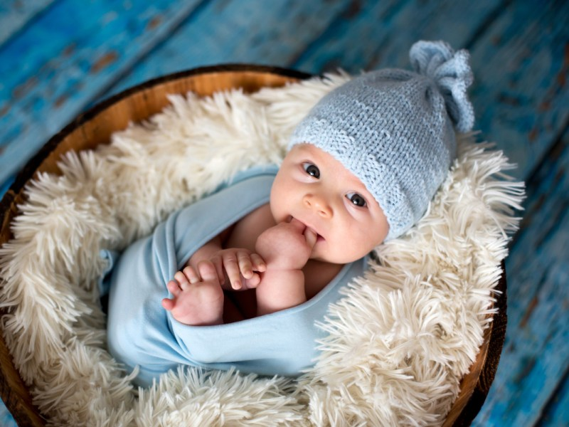 Great Tips For Dressing Your Newborn Baby