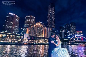 Melbourne city night view wedding photo by the Yarra River