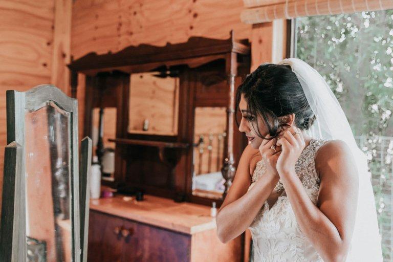 Rustic-wedding-bride-prep-6