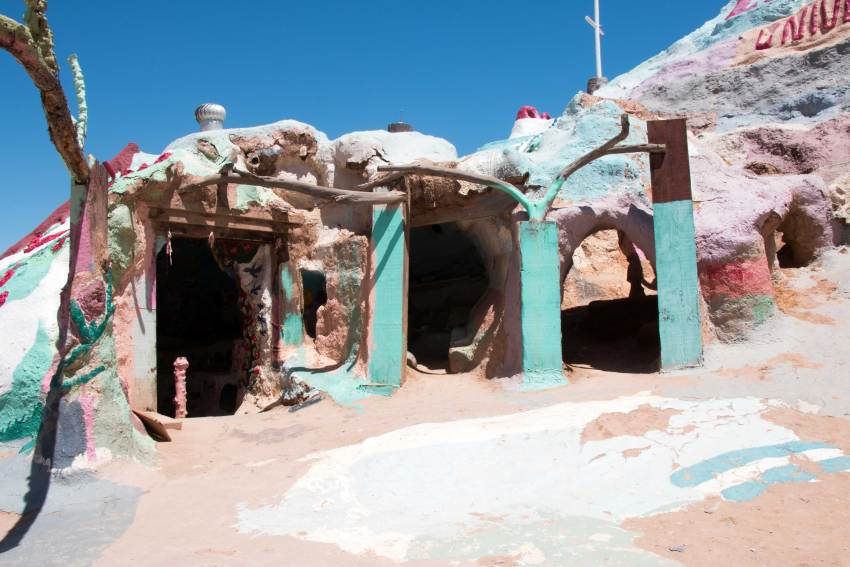 weekend-roadtrip-salvation-mountain-14