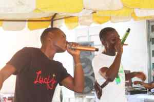 Lil whiz and Sammy sugar performing for players and fans at the award ceremony