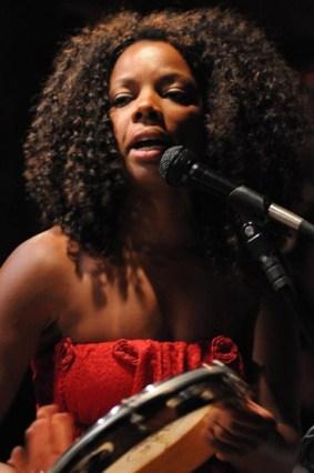 Singer/musician LAra Nascimento