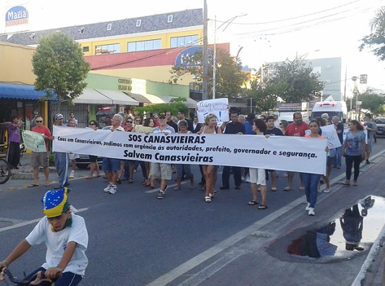 Residents of the city of Florianópolis organized a protest against the homeless