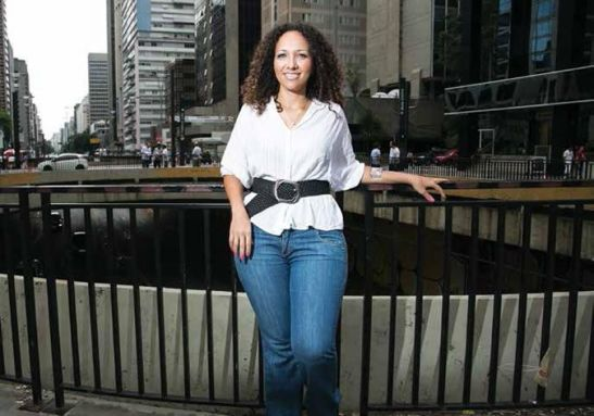 After a rough start, Lorena Silva shines in the great city as an architect