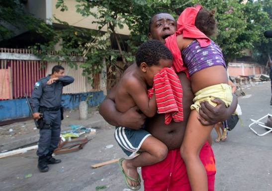 Despejo de invasores da favela da Telerj, bairro do Engenho Novo, zona Norte do Rio