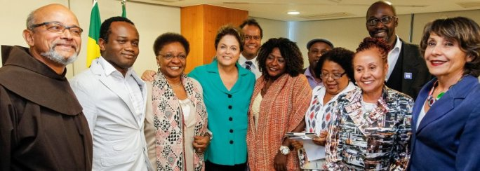 President Dilma Rouseff with activists of the Movimento Negro
