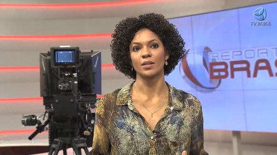 Journalist Luciana Barreto speaking on the invisibility of Afro-Brazilians on the airwaves