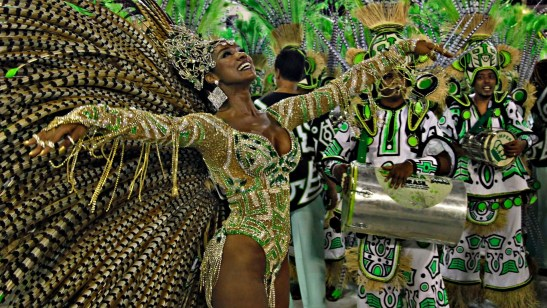 Actress Cris Vianna also represented the Imperatriz Leopoldinense Samba School in 2013