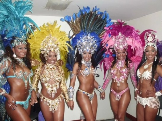 Carnaval: The only time of year when black women are prominently featured in the media - Photo: Women from the Rosas de Ouro Samba School