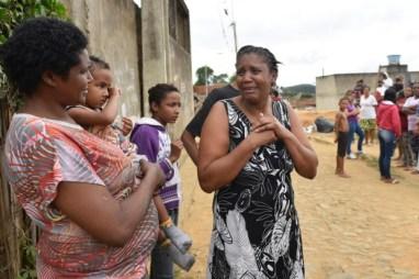Ivania Xavier da Silva, the victim's mother, in black and white