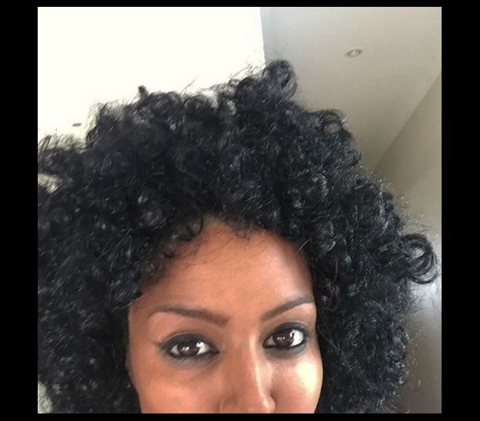 Youtuber chora após blackface e se justifica - 'Sou filha de pai negro' (3)