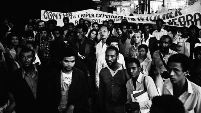 a manifestac3a7c3a3o chamou a atenc3a7c3a3o para a condic3a7c3a3o social e de vida dos negros brasileiros