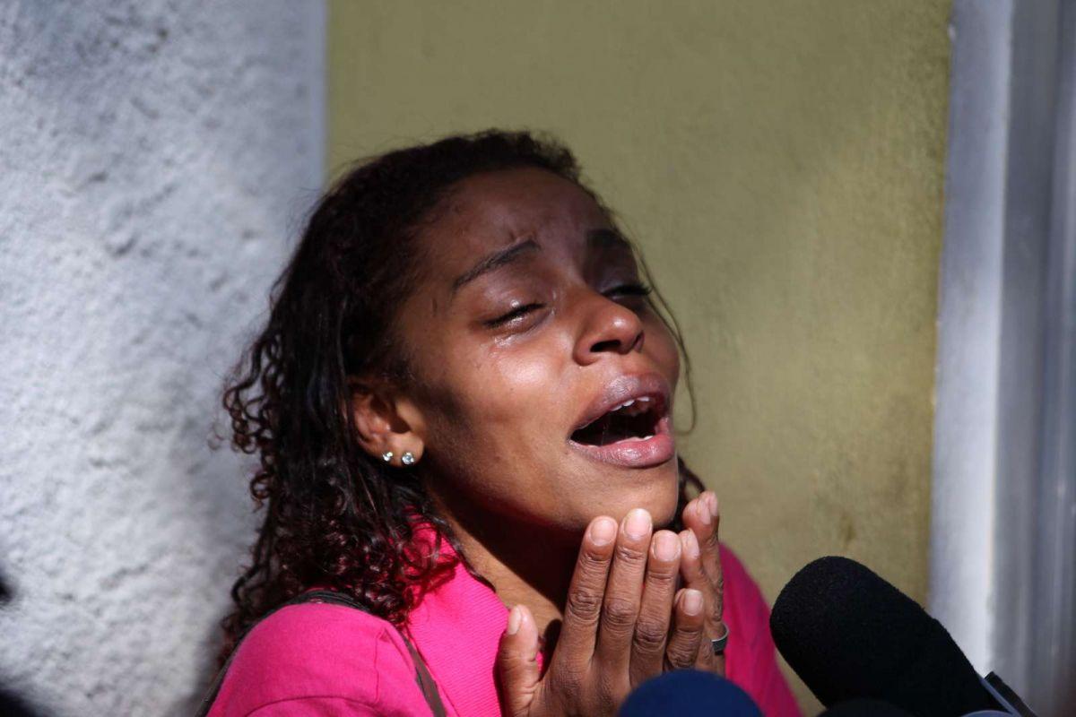 Cintia Ferreira Francelino, 29 anos, mãe do menino morto pela PM
