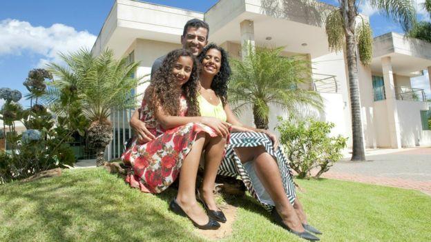 Mônica e Carlos moram com a filha Letícia no Lago Sul, área nobre de Brasilia
