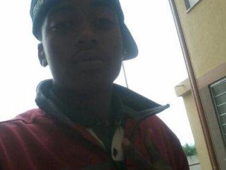 pms matam adolescentes negros jc3a1 rendidos e com as mc3a3os para o alto dizem testemunhas