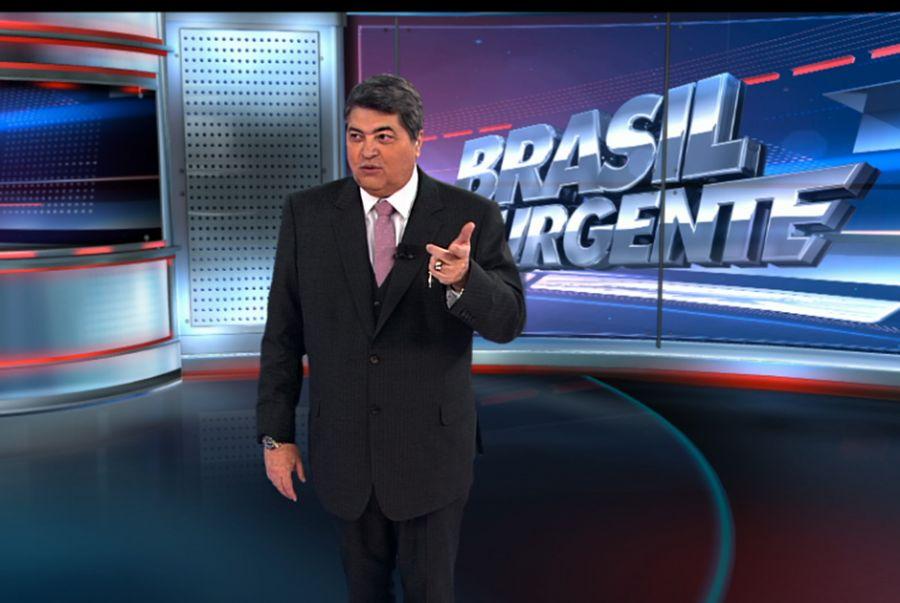 No Brasil Urgente, Datena trocou sua gravata clássica por um modelo rosa