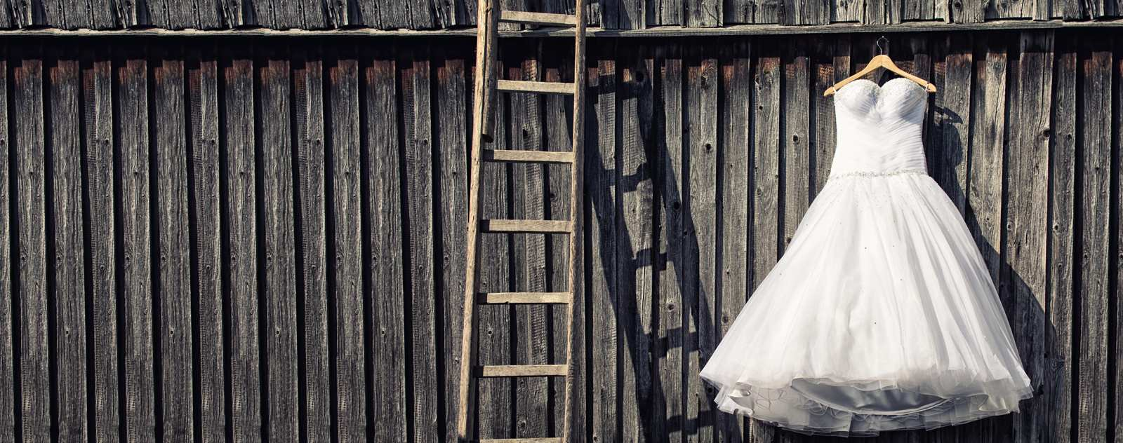 wedding-dress-hanging