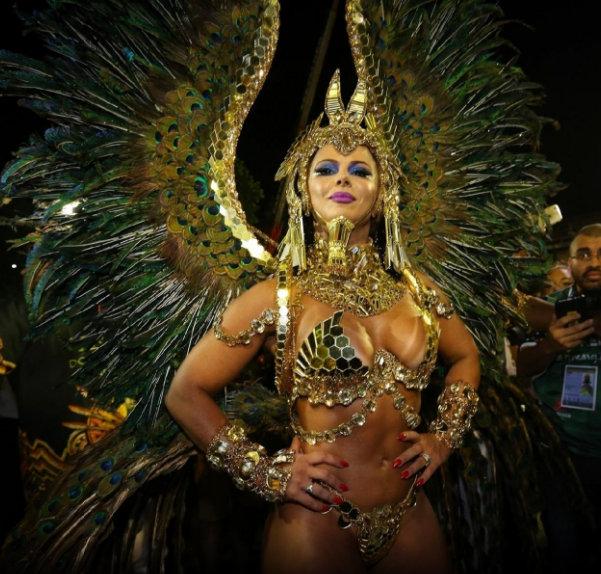 3 - Viviane Araujo