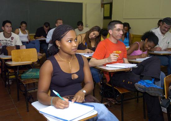 Negros quase triplicam no ensino superior no Brasil em 10 anos (2)