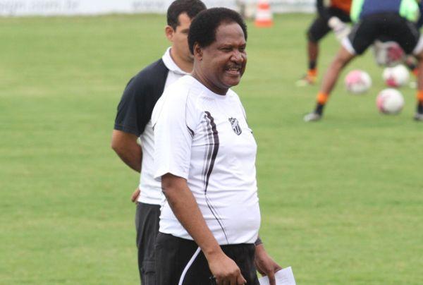 Técnico Lula Pereira