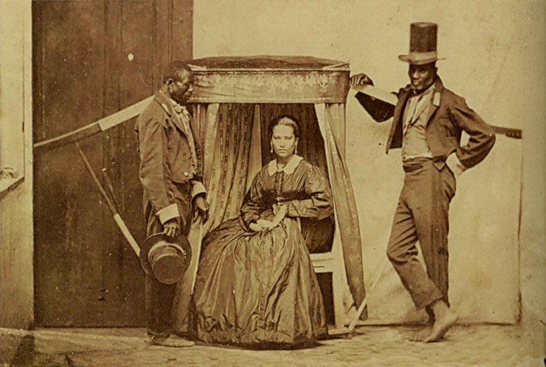 Senhora sendo carregada por seus escravos, Brasil, 1860