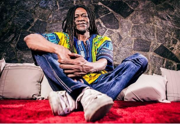 Com 38 anos de carreira, o cantor e compositor Guiguio integrou o bloco Ilê Aiyê fazendo história música brasileira