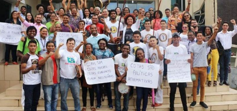 Students in defense of the Quotas Law For the guarantee of rights