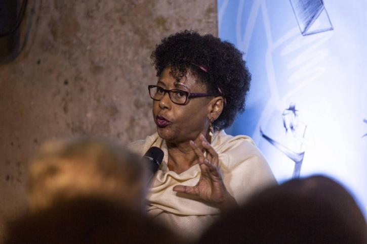 Cida Bento durante debate na Casa Folha da Flip 2019