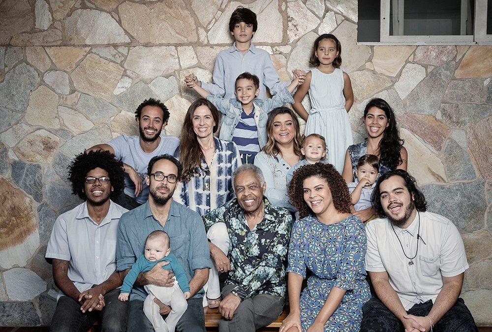 Gilberto Gil compartilha foto com a família