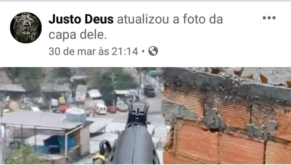 Segundo a polícia, foto foi feita por João Vitor Gomes da Rocha, de 18 anos, alias Pastel e postada numa rede social