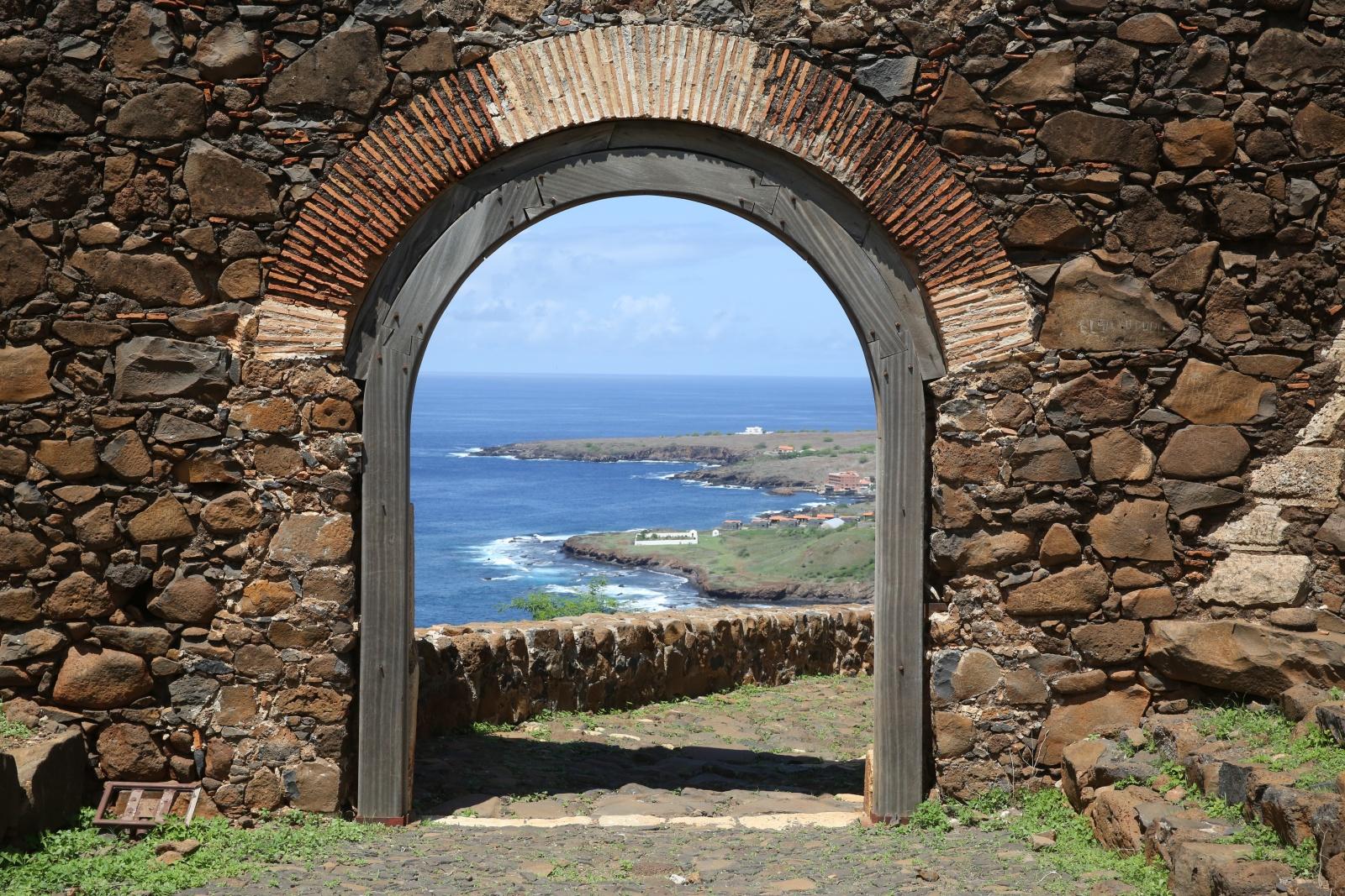 4. A Fortaleza Real de São Filipe, na Cidade Velha, na Ilha de Santiago, em Cabo Verde,