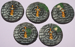 5x 40mm Broken Sword bases.