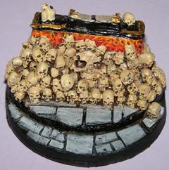 1x Skull altar 60mm scenery.