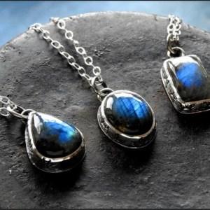 Blue labradorite pendant necklace