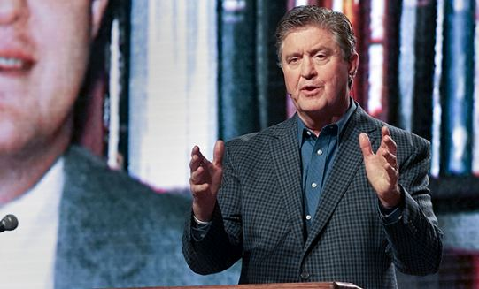 Steve Gaines, president of the Southern Baptist Convention, speaks at the Pastors' Conference at the Phoenix Convention Center on June 12, 2017, in Phoenix. Photo courtesy of Matt Miller