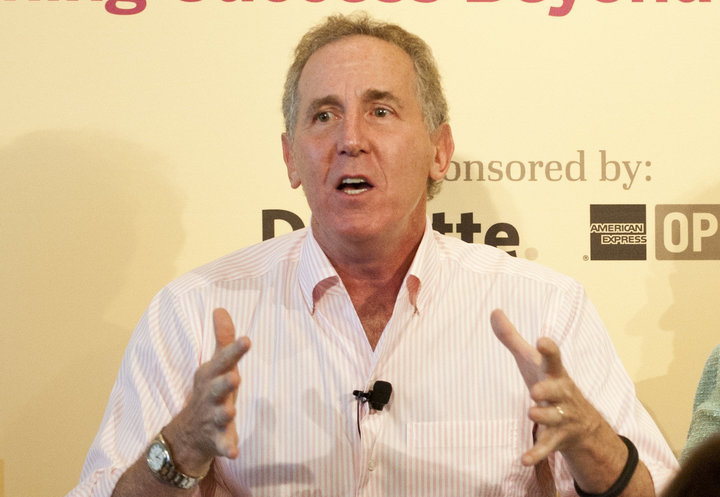 Tony Schwartz speaking at a conference in 2013. (Credit: Damon Dahlen, Huffington Post)