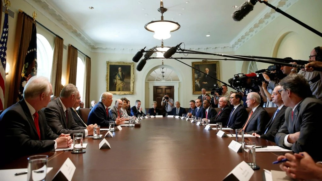 Donald Trump meets with his Cabinet in the White House on July 31, 2017. (Office of the President of the United States)