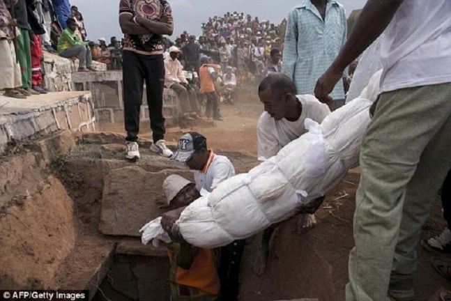 Officials in Madagascar have warned residents not to exhume bodies of dead loved ones and dance with them because the bizarre ritual can cause outbreaks of plague