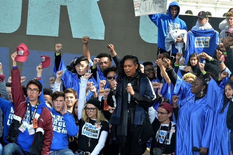 Jennifer Hudson sings at the March for Our Lives.
