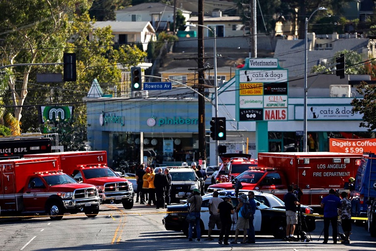 Los Angeles police on Saturday chased a suspect from Hollywood to Silver Lake, where he opened fire inside the Trader Joe's market on Hyperion Avenue. (Francine Orr / Los Angeles Times)