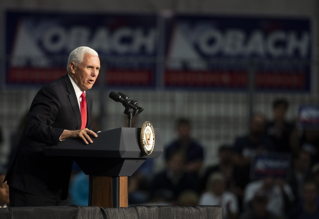 Vice President Mike Pence talks to the attendees during a fundraiser for the Republican Governors Association at Air Capital Flight Line. (Oct. 18, 2018)
