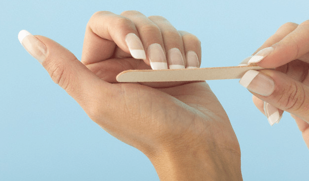 manicured-nails-emory-board