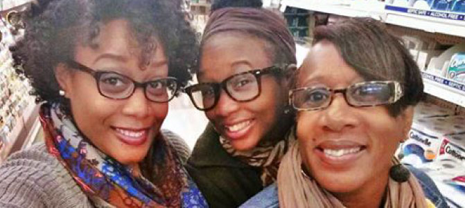 Joyce Moore and daughters/Photo: American Heart Association News