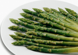 plate of cooked asparagus