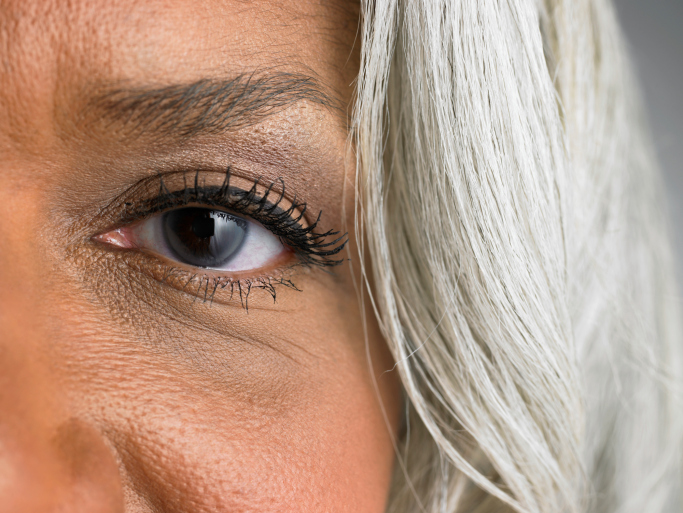 eye close up woman