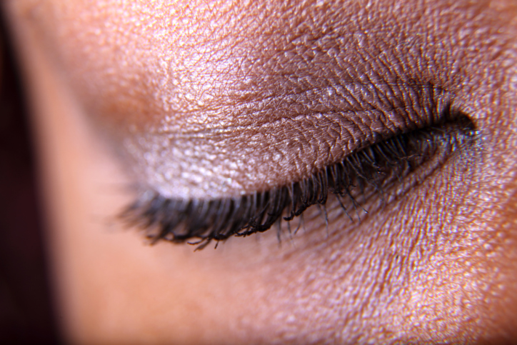 woman eyelashes